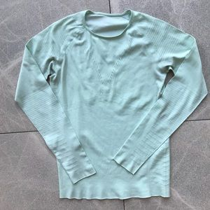Lululemon Athletica long sleeve top mint green